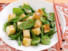 Organic Tofu Salad with Garlic and Tamari